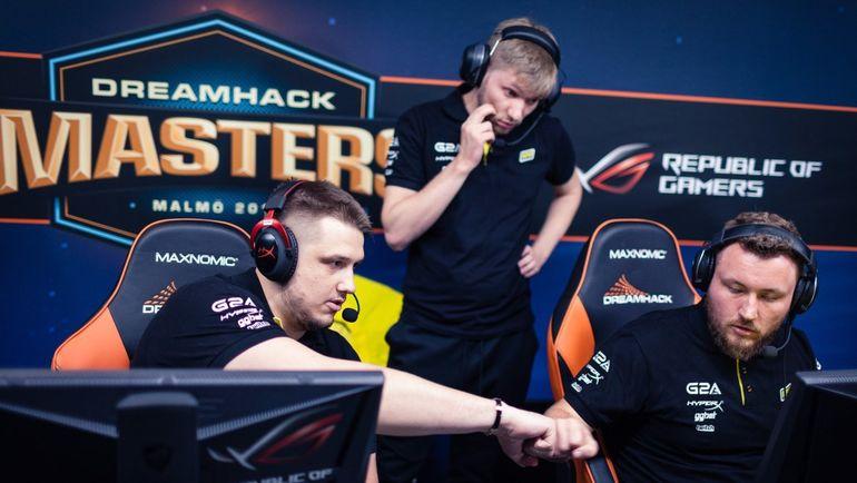 "Данил ""Zeus"" Тесленко (слева). Фото HLTV"