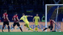 Вчера. Киев. Украина - Турция - 2:0. Андрей ЯРМОЛЕНКО оформляет дубль.