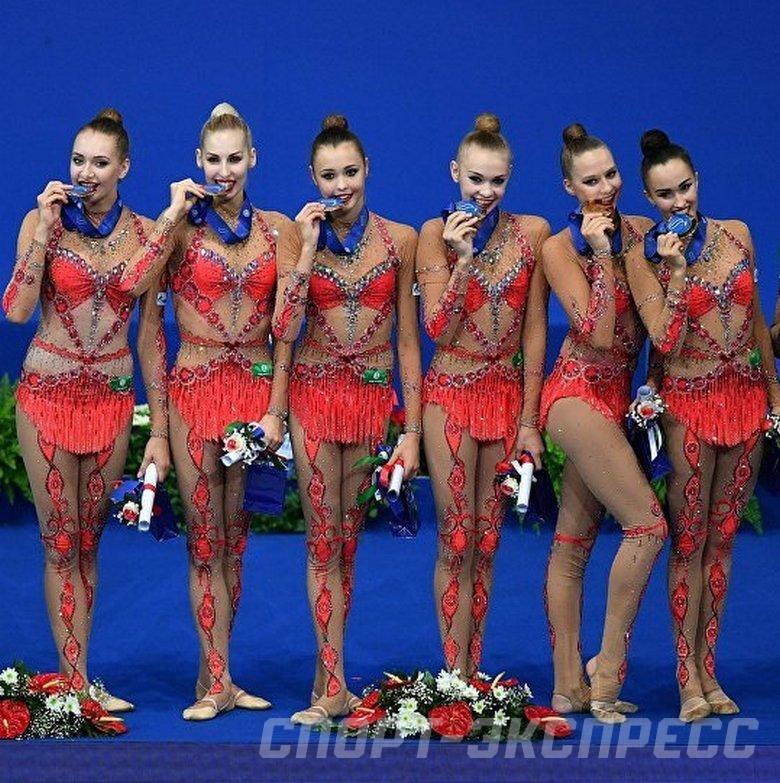 Порно смотреть фото российских актрис в гимнастике небритого мужского