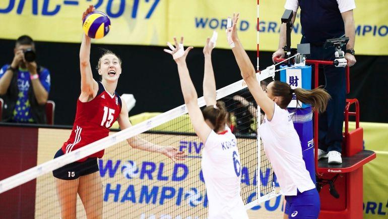 Сегодня. Нагое. Россия - США - 2:3. Россиянки вели по ходу встречи, но потерпели поражение. Фото Официальный Твиттер FIBV