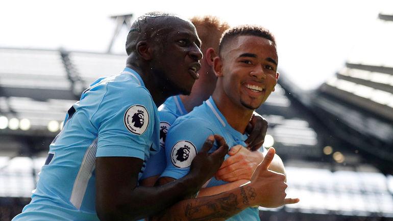 """Сегодня. Манчестер. """"Манчестер Сити"""" - """"Ливерпуль"""" - 5:0. Хозяева празднуют гол."""