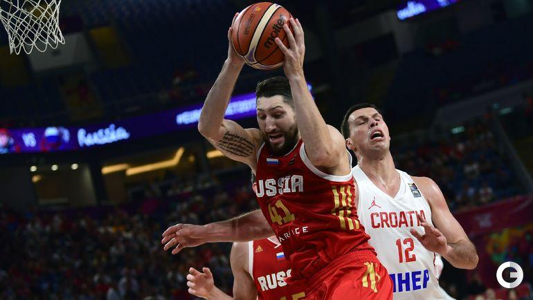 Воскресенье. Стамбул. Хорватия - Россия - 78:101. С мячом Никита КУРБАНОВ.