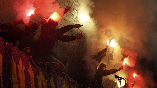 """10 декабря 2014 года. Марибор. """"Марибор"""" - """"Шальке"""" - 0:1. Перфоманс болельщиков хозяев. Фото Reuters"""