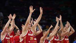 Среда. Стамбул. Греция - Россия - 69:74. Сборная России празднует выход в полуфинал.