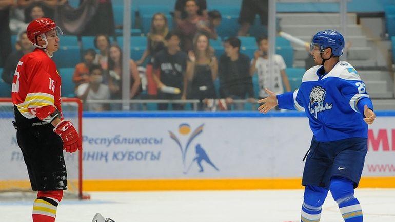 Дамир РЫСПАЕВ (справа). Фото photo.khl.ru