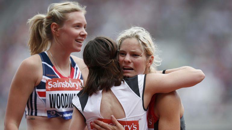 Беттани ВУДВАРД (слева) отказалась от медали из-за подозрений, что ее партнерша по команде симулировала инвалидность. Фото REUTERS
