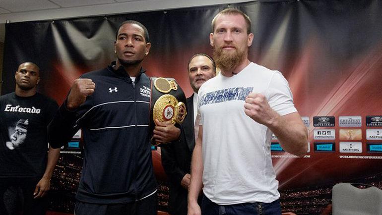 Дмитрий КУДРЯШОВ (справа) и Юниер ДОРТИКОС. Фото boxingscene.com
