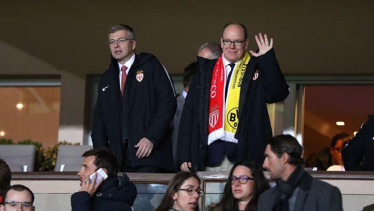 Князь Монако Альбер II (справа) дистанцировался от владельца клуба Дмитрия РЫБОЛОВЛЕВА. Фото AFP