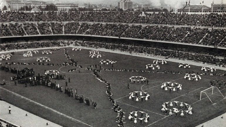 "24 сентября 1957 года. Открытие ""Камп Ноу"". Фото fcbarcelona.com"