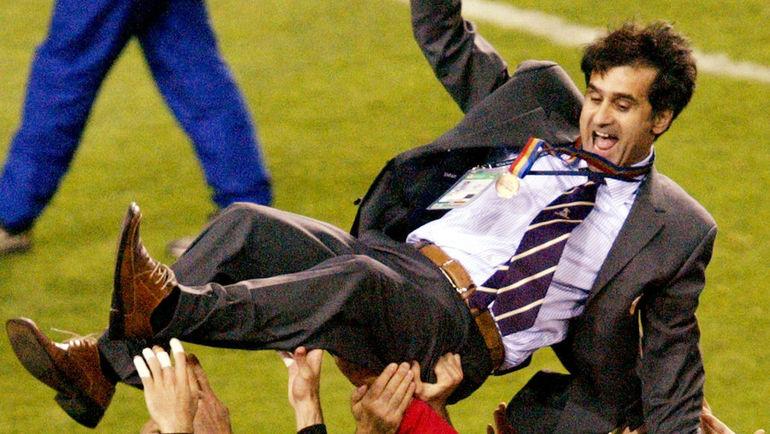 Шенол ГЮНЕШ во время триумфального для сборной Турции чемпионата мира-2002. Фото REUTERS