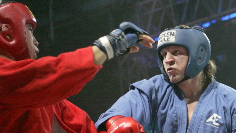 Александр ЕМЕЛЬЯНЕНКО возвращается на ринг после долгого перерыва. Фото Александр ВИЛЬФ