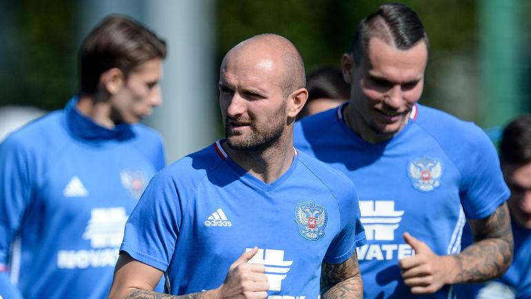Константин РАУШ (в центре). Фото Дарья ИСАЕВА