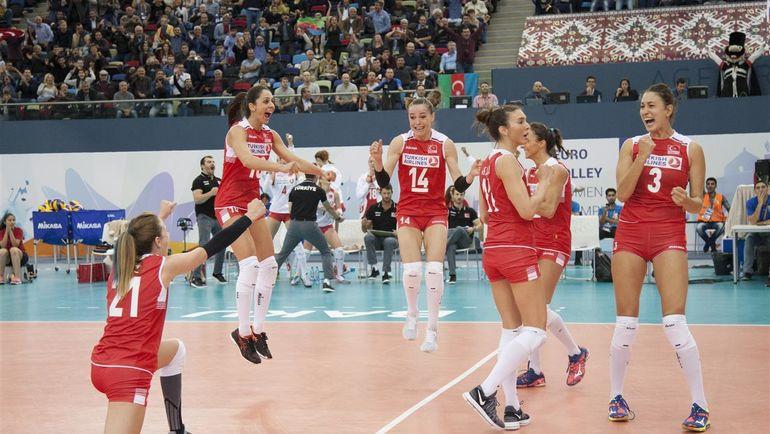 Сегодня. Баку. Россия - Турция - 0:3. Соперницы по всем статьям переиграли россиянок. Фото CEV