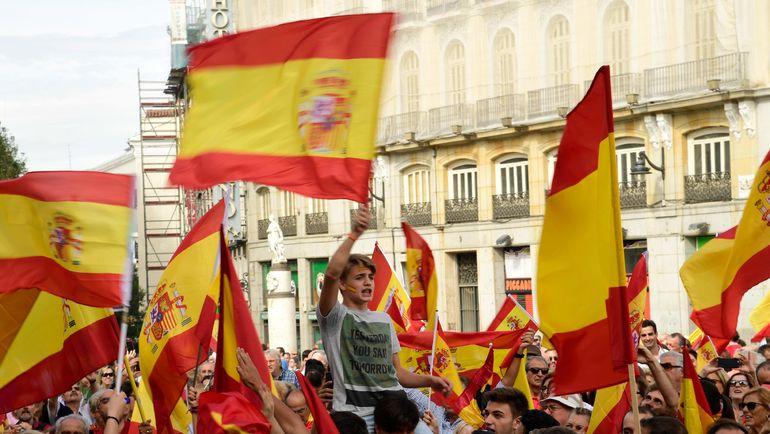 Сегодня. Мадрид. Митинги и демонстрации в других городах Испании сопровождают ход референдума в Каталонии. Фото AFP