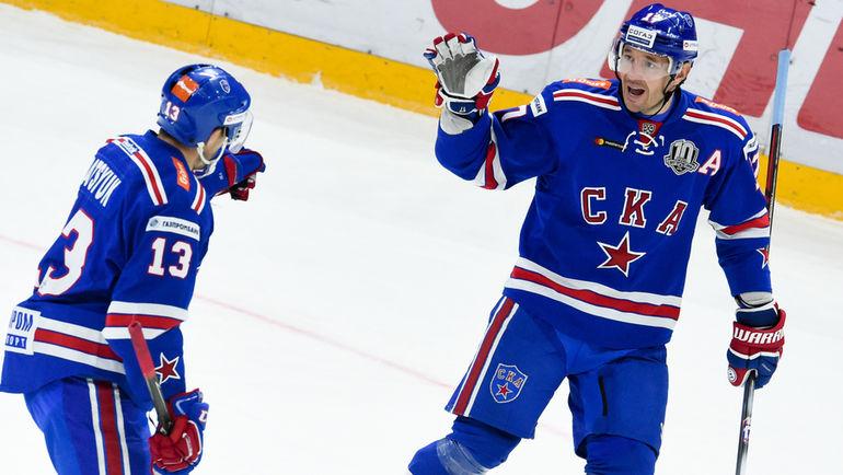 Павел ДАЦЮК (слева) и Илья КОВАЛЬЧУК. Фото ХК СКА