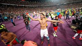Воскресенье. Александрия. Египет - Конго - 3:2. Хозяева празднуют долгожданный выход на чемпионат мира.