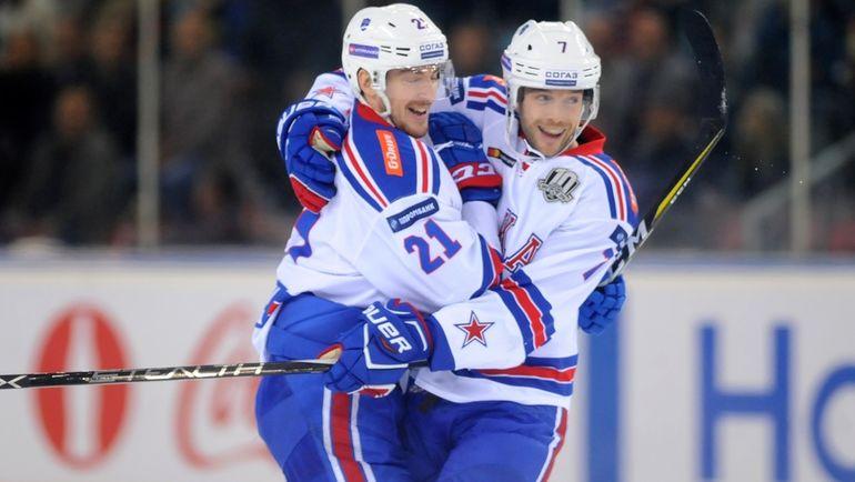 Сергей КАЛИНИН (слева) и Давид РУНДБЛАД. Фото photo.khl.ru