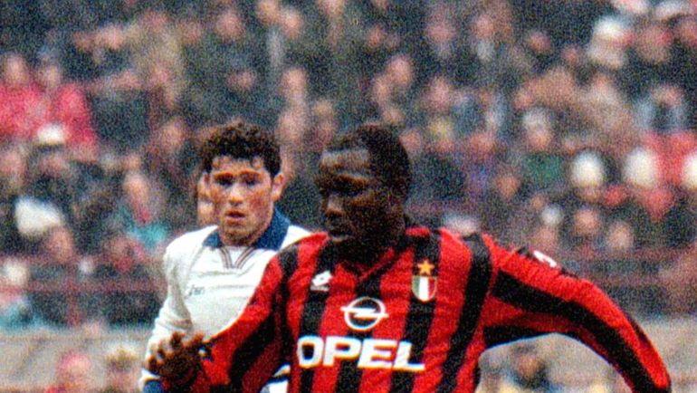 """1997 год. Джордж ВЕА в атаке """"Милана"""". Фото REUTERS"""