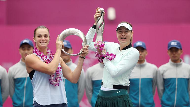 Мария ШАРАПОВА (справа) и Арина СОБОЛЕНКО. Фото AFP