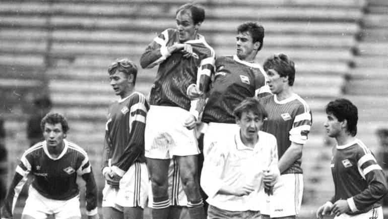 "Валерий КАРПИН в 1992 году (второй слева). Фото Александр ФЕДОРОВ, ""СЭ"""