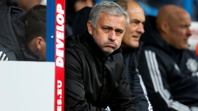 "Суббота. Хаддерсфилд. ""Хаддерсфилд"" - ""Манчестер Юнайтед"" - 2:1. Жозе МОУРИНЬЮ. Фото REUTERS"
