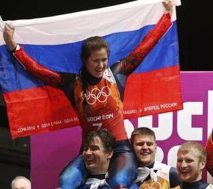 Серебряный призер командного турнира саночников Татьяна ИВАНОВА. Фото Reuters