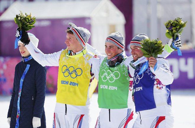 Сегодня. Красная Поляна. Призеры Олимпиады в ски-кроссе: Жан-Фредерик ШАПЮИ (в центре), Арно БОВОЛЕНТА (справа) и Жонатан МИДОЛЬ Фото AFP