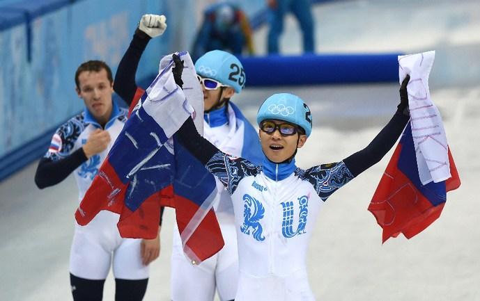 Сегодня. Сочи. Виктор АН и сборная России - олимпийские чемпионы Сочи-2014 в эстафете. Фото AFP