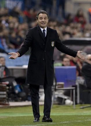 Главный тренер сборной Италии Чезаре ПРАНДЕЛЛИ. Фото AFP