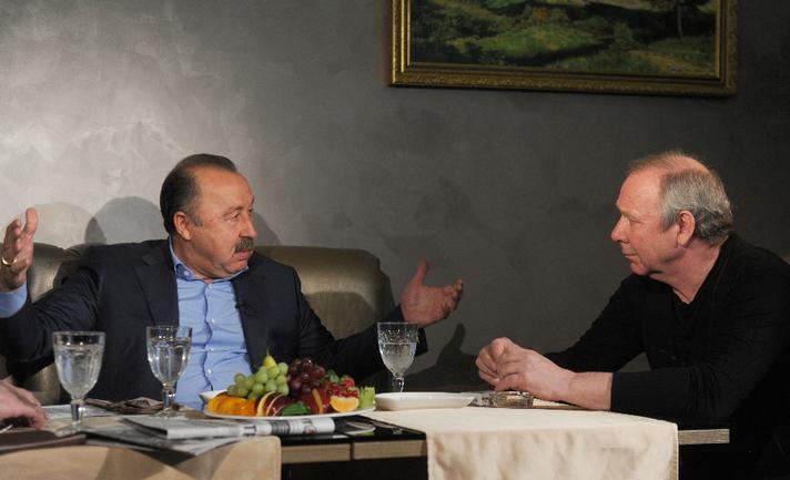 Валерий ГАЗЗАЕВ и Олег РОМАНЦЕВ. Фото Александр ФЕДОРОВ, «СЭ»