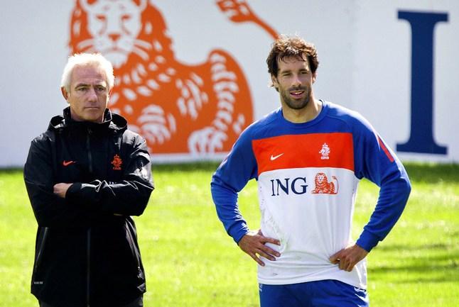 Бывший нападающий сборной Голландии Руд ван НИСТЕЛРОЙ Фото AFP