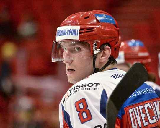 Капитан сборной России Александр ОВЕЧКИН едет на чемпионат мира в Минск. Фото Reuters