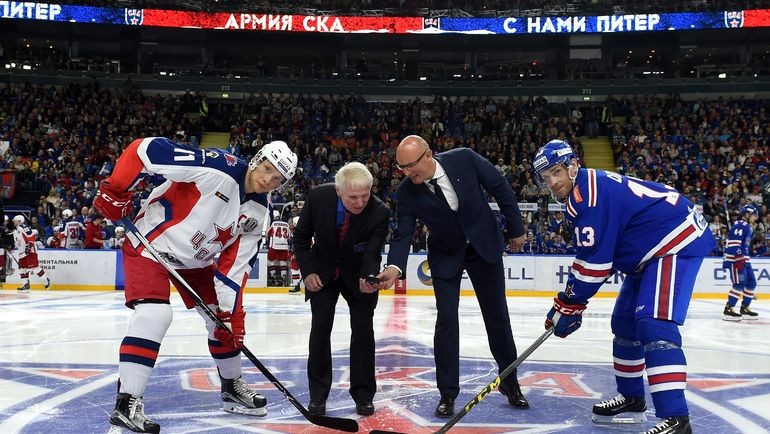Сергей АНДРОНОВ (слева) не сыграет против СКА. Фото Юрий КУЗЬМИН, photo.khl.ru