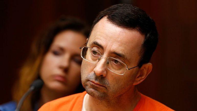 Ларри НАССАР готовится к суду о насилии над несовершеннолетними. Фото AFP