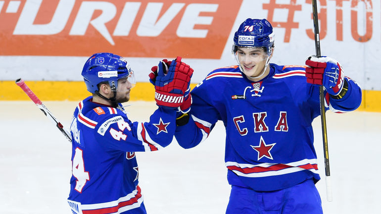 Николай ПРОХОРКИН (справа) и Егор ЯКОВЛЕВ. Фото Официальный сайт ХК СКА