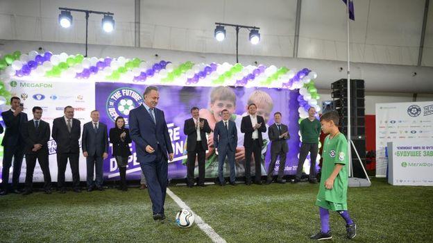 Слуцкий и Руни открыли футбольный турнир