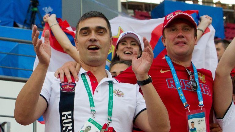 Артем ГРОМОВ (слева).