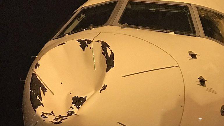 """Нос самолета """"Оклахомы"""" после приземления. Фото twitter.com/alexabrines"""