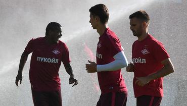 Марко ПЕТКОВИЧ (справа), Илья КУТЕПОВ (в центре) и ФЕРНАНДУ. Фото Александр ФЕДОРОВ, «СЭ»