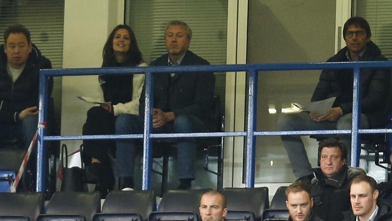 Леонид СЛУЦКИЙ (слева), Роман АБРАМОВИЧ (в центре) и Антонио КОНТЕ (справа). Фото REUTERS