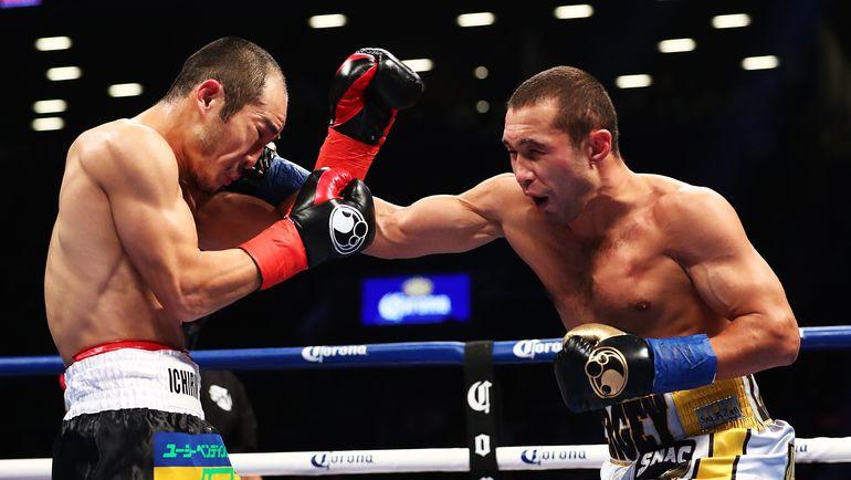 Сергей ЛИПИНЕЦ (справа) атакует Акихиро КОНДО. Фото AFP