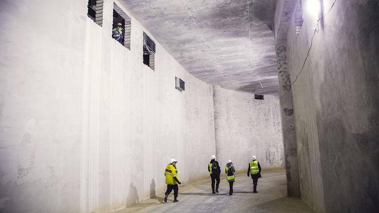 Через этот тоннель на стадион будут заезжать автобусы команд. Фото Дмитрий ТОЛМАЧЕВ