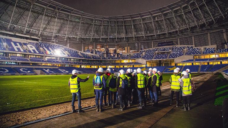 Футбольная часть комплекса уже сегодня практически готова принимать матчи. Фото Дмитрий ТОЛМАЧЕВ