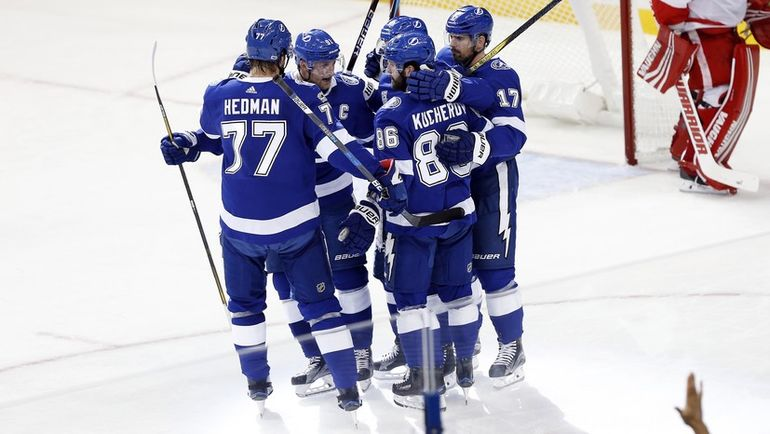 Тройка НАМЕСТНИКОВ – СТЭМКОС – КУЧЕРОВ - одна из сильнейших в НХЛ прямо сейчас. Фото USA TODAY Sports