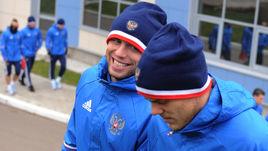 Денис ГЛУШАКОВ (слева) и Александр КОКОРИН на тренировке сборной.