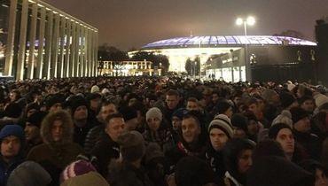 Давка в Лужниках: народ гнали пешком до Парка культуры!