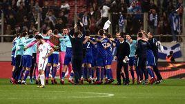 Воскресенье. Пирей. Греция - Хорватия - 0:0. Хорваты празднуют выход на чемпионат мира-2018.