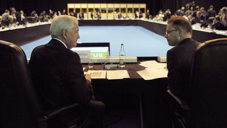 Президент ВАДА Крэйг РИДИ (слева) и гендиректор агентства Оливер НИГГЛИ. Фото AFP