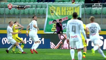 Арбитр не назначил пенальти в ворота