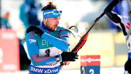Шипулин отстает, Никитина и Павличенко побеждают